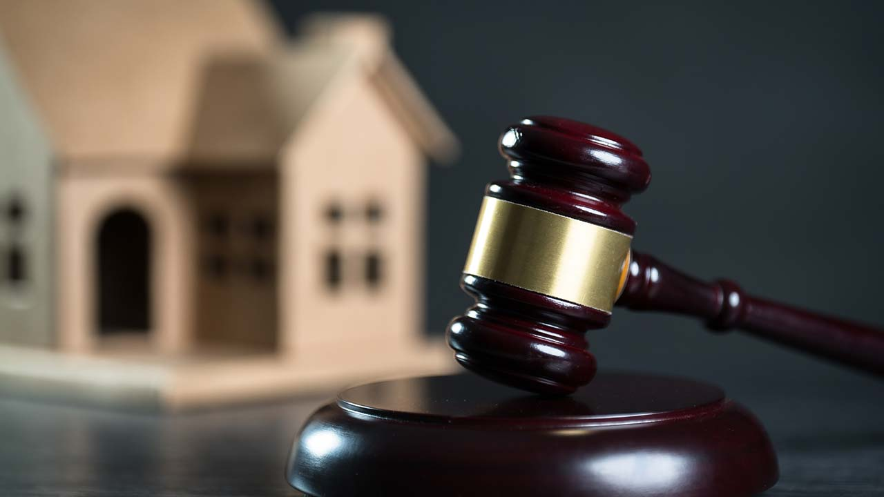 What happens during house auctions?